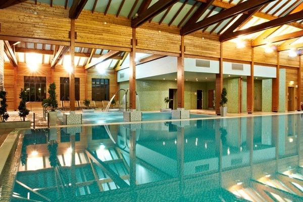 Bannatyne Premium Spa Day with 25 Minute Treatment, Lunch and Prosecco for Two