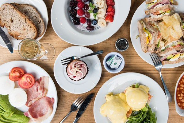 Brunch with Bottomless Fizz at Beas of Bloomsbury Marylebone