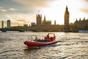 Thames Rockets Evening Powerboating Experience With Seasonal Drinks For Two