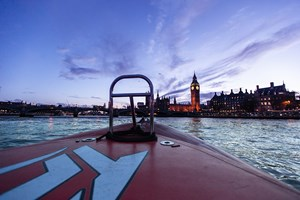 Thames Rockets Evening Powerboating Experience With Cocktails For Two