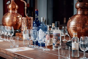 Buy 60 Minute Gin and Tonic Tasting for Two at Liquor Studio