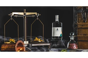 Buy Online Personalised Gin Making Experience for One