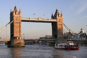Lunch Cruise On The Thames For Two