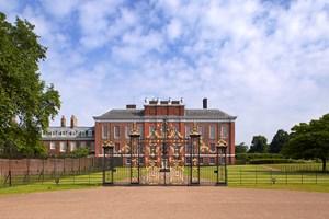 Family Entry To Kensington Palace